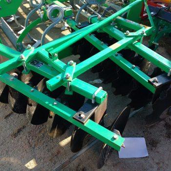Disc VVM 1,1 M, 12 talere, 200 kg, putere necesara 15-25 cp